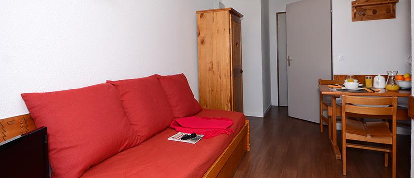 France_La-Plagne_les_Cervin_Apartments_lounge.jpg